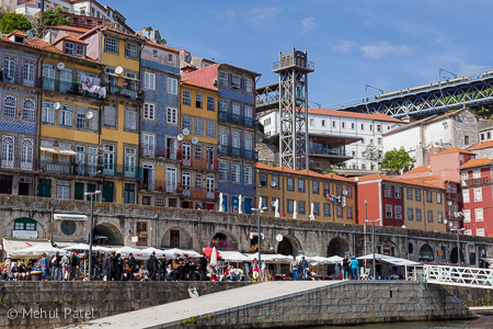 Entertainment on the embankment of the river Douro - Porto, Portugal